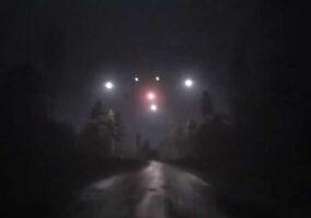 Огромный НЛО над небом Динкельсбюля в Германии