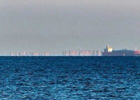 Плавающий город появился у берегов Англии