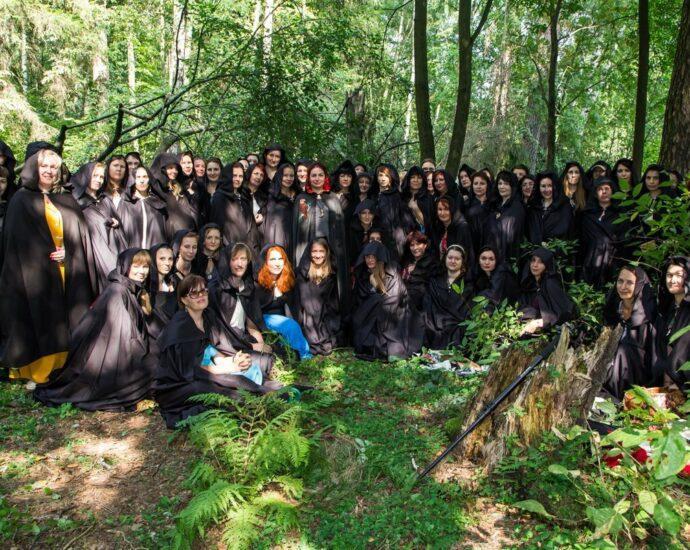 Ведьмы собираются провести ритуал против талибов.